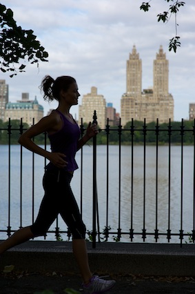 central-park,-running,-fitness-fit-kate-braithwaite-actress-model-sports-model-top-sports-model-new-york