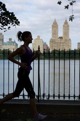 central-park,-running,-fitness-fit-kate-braithwaite-actress-model-sports-model-top-sports-model-new-york